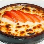 Жареный сулугуни с помидорами на кеце