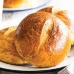 Белая французская булочка